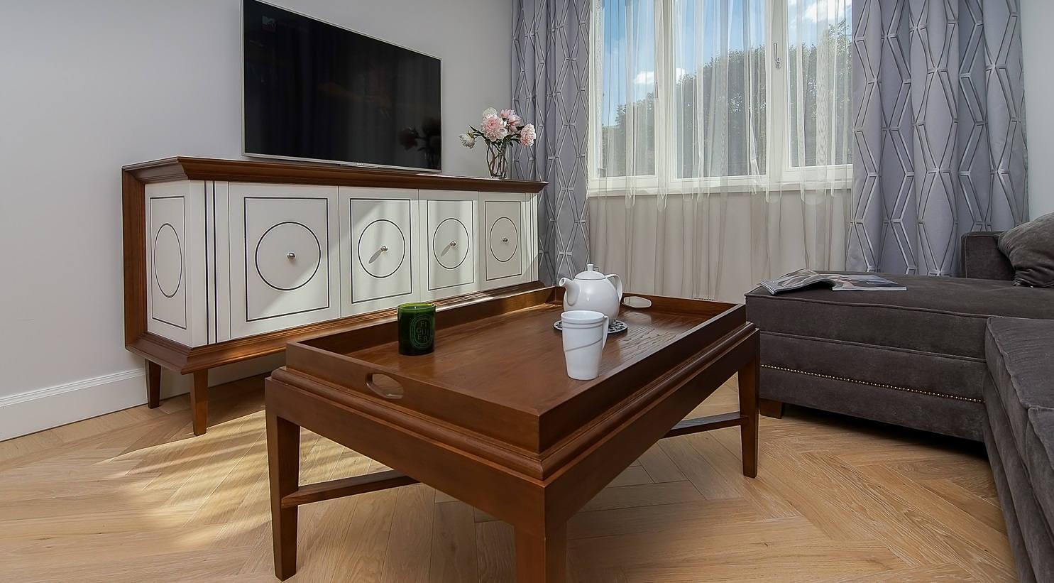 Massivholzmöbel, auch nach Maß, klassische Naturholz Möbel ...
